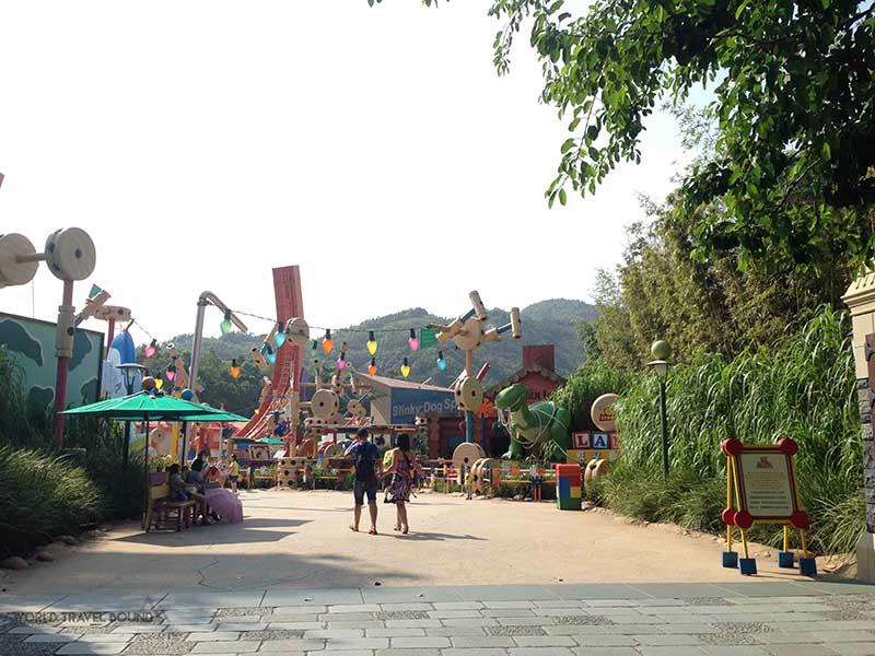 hong_kong_disneyland_rides_world_travel_bound