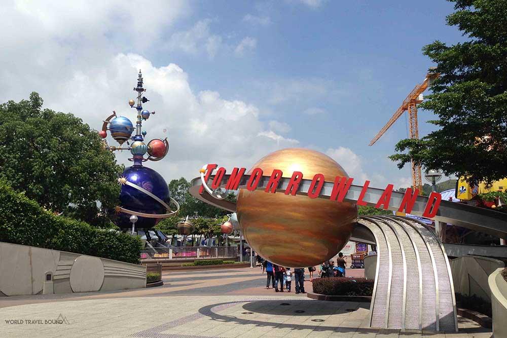 hong_kong_disneyland_tommorrowland_world_travel_bound