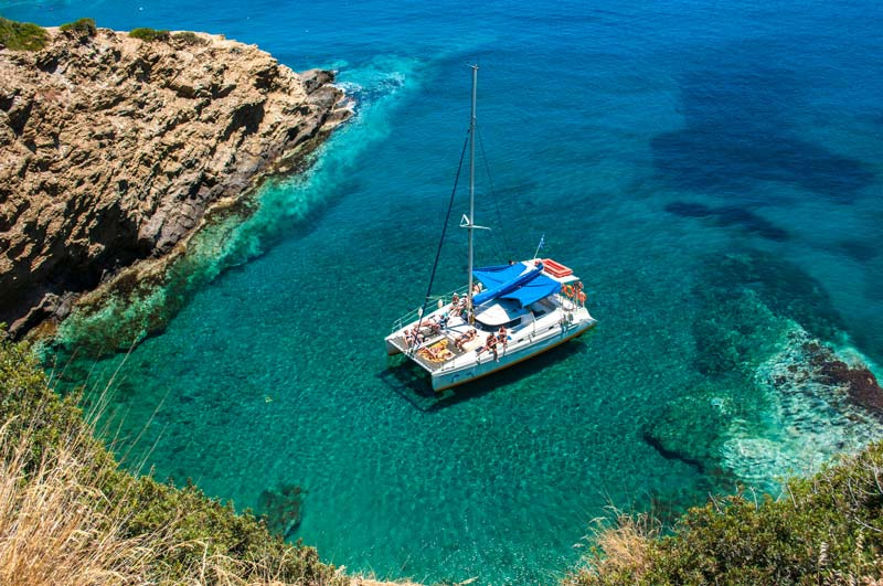 5 Beautiful Greek Islands to Visit on a Yacht Tour